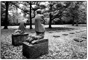 german-war-cemeteries-in-west-flanders-7-kollwitz's-grieving-parents-in-vladslo