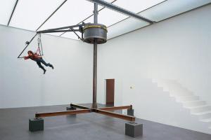 Carsten Höllers 'vliegende machine' gaat Panamarenko achterna