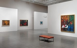 """Installationsansicht der Ausstellung """"Miró. Malerei als Poesie"""" im K20 Grabbeplatz, Foto: Achim Kukulies, © Successió Miró / VG Bild-Kunst 2015"""
